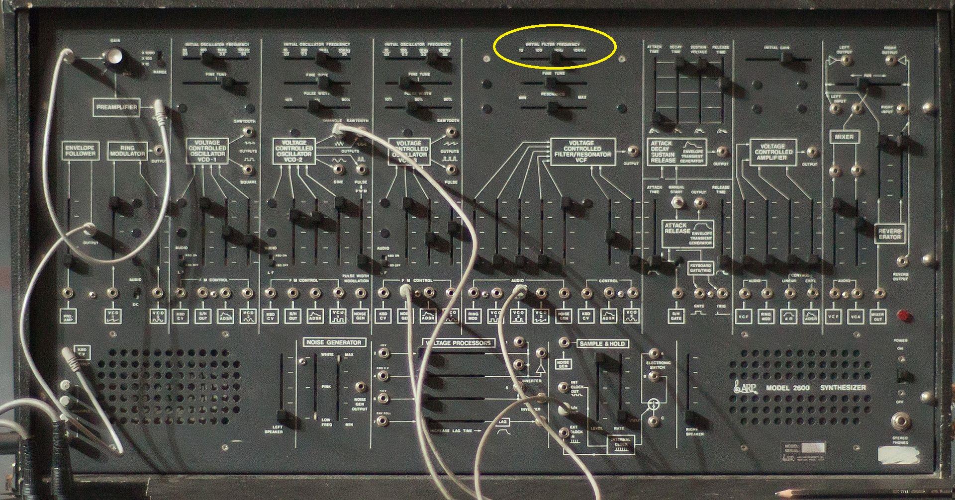 ARP_2600_panel,_Energo_2011