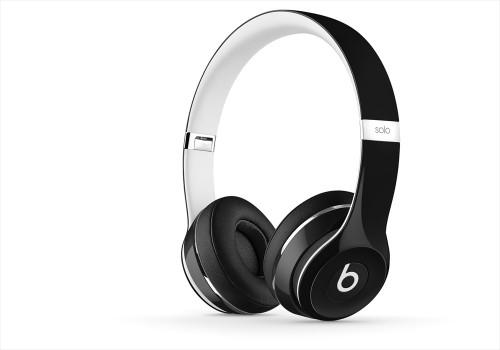 BeatsSolo2-Luxe-Black-zoom-thrqtrrght