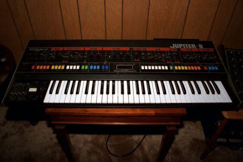 Roland_Jupiter-8_Synth,_1983_(2039658601)