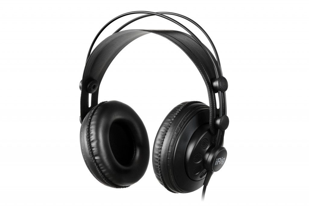 ikc-L-iRig_Headphones_0U6A9200_opt
