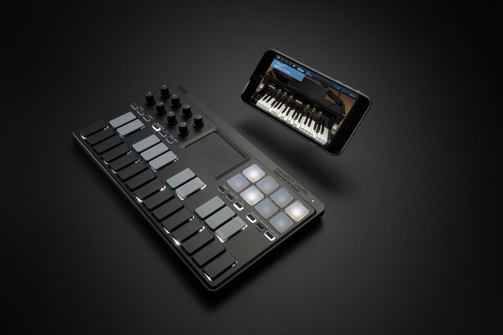 nanoKEY_Studio_iPhone_Module_rgb_s