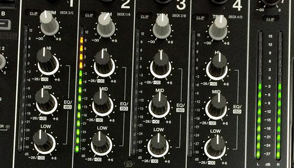 CDJ2000NXS2_DJM900NXS2_021