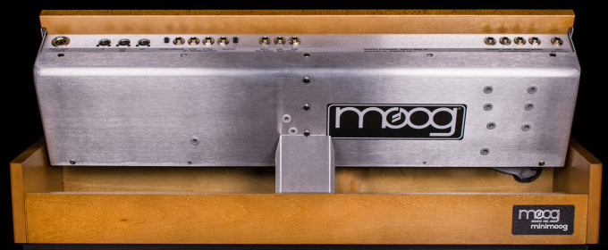 moog_Minimoog_Model_D_2