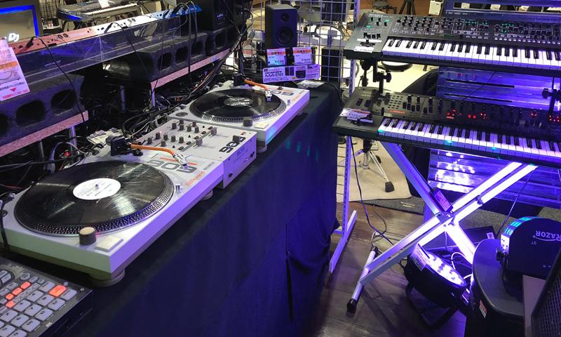 新宿 DJコーナー2