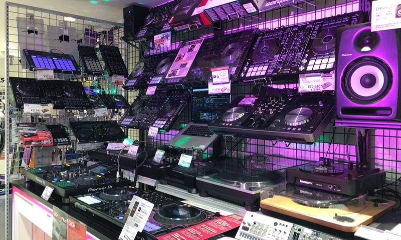 新宿 DJコーナー1