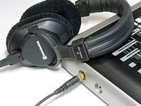 dp-24_headphone