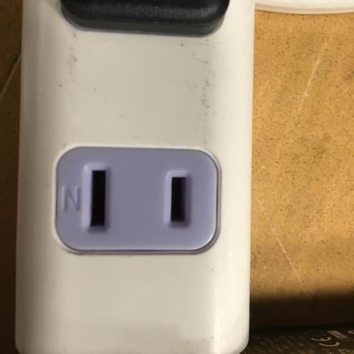 電源コネクタ
