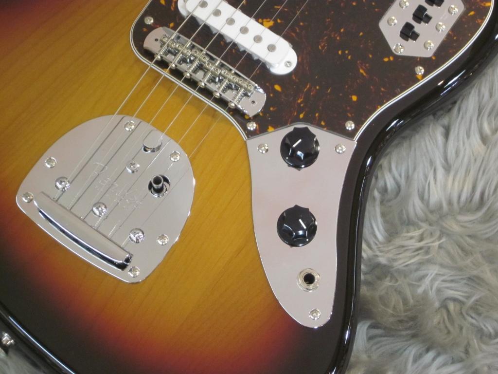 Exclusive Classic 60s Jaguar / Rosewood / 3-Color Sunburstのボディバック-アップ画像