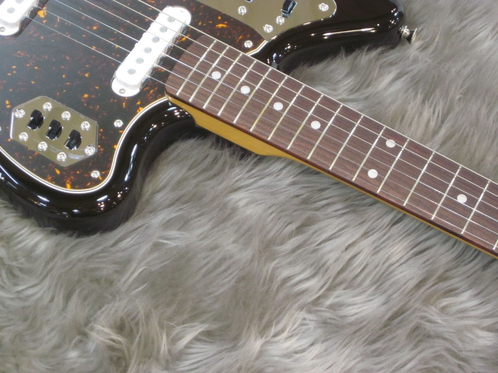 Exclusive Classic 60s Jaguar / Rosewood / 3-Color Sunburstのヘッド画像