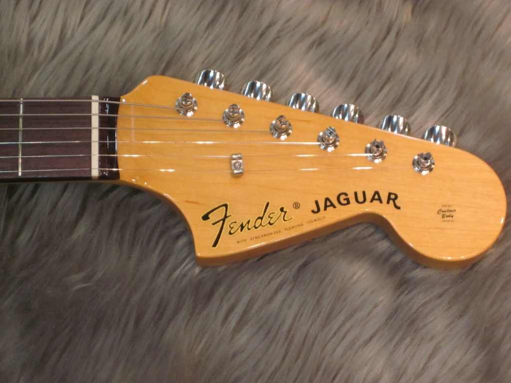Exclusive Classic 60s Jaguar / Rosewood / 3-Color Sunburstのヘッド裏-アップ画像