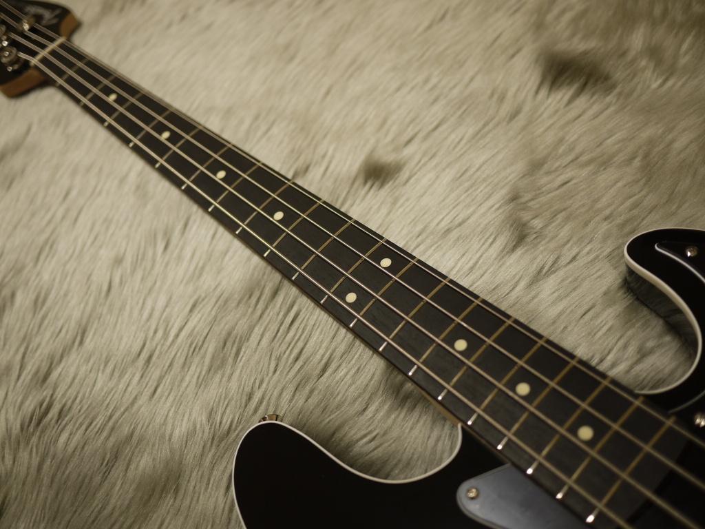 Japan Exclusive Series Aerodyne Jazz Bass Rosewood Fingerboardの指板画像