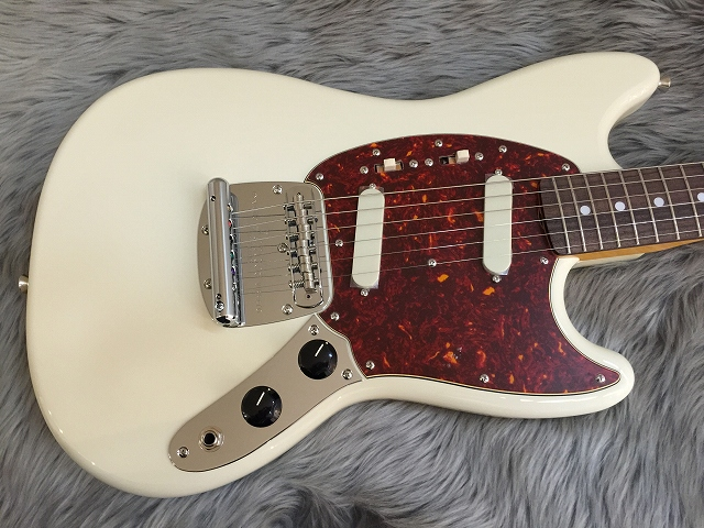 Japan Exclusive CLASSIC 60S MUSTANGのボディトップ-アップ画像