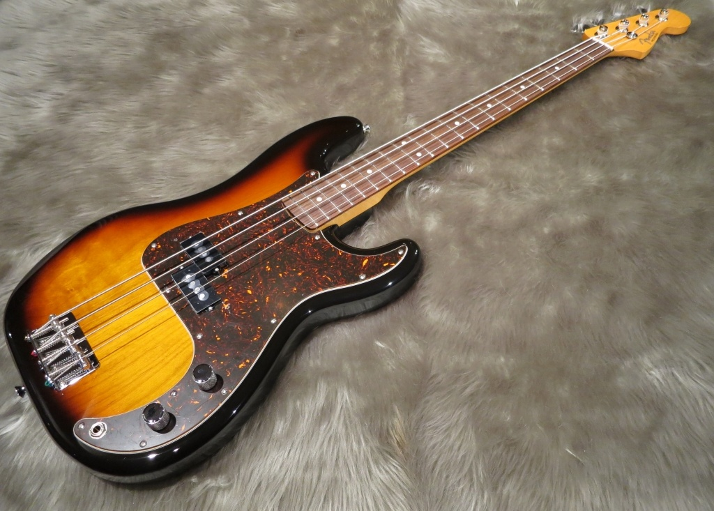 Japan Exclusive Classic Special '60s P Bass