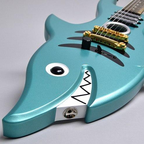 SHARK GUITARのヘッド裏-アップ画像