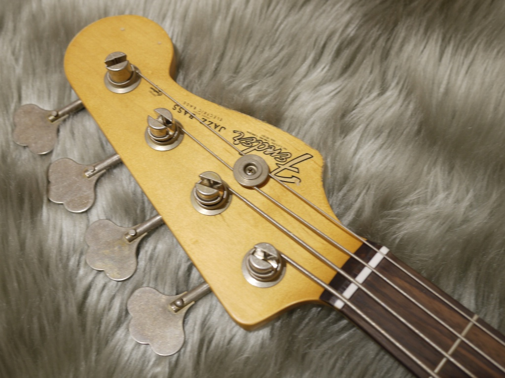 Flea Jazz Bass Rosewood Fingerboardのヘッド画像