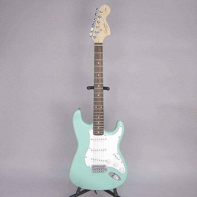Affinity Series Stratocaster/Rosewoodの全体画像(縦)