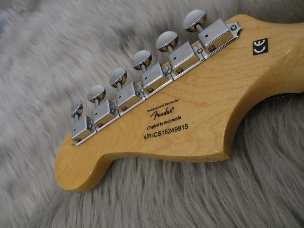 Vintage Modified JazzMasterのヘッド裏-アップ画像
