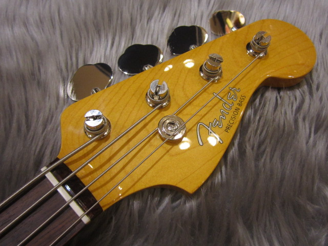 Japan Exclusive Classic 60s P Bassのヘッド画像