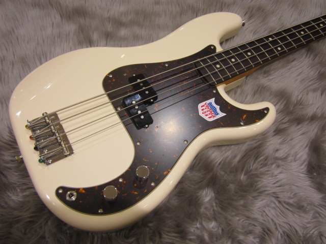 Japan Exclusive Classic 60s P Bass USA PICKUPSのボディトップ-アップ画像
