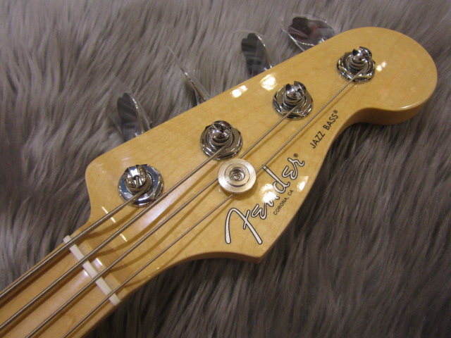 American Pro Jazz Bass Maple Fingerboardのヘッド裏-アップ画像