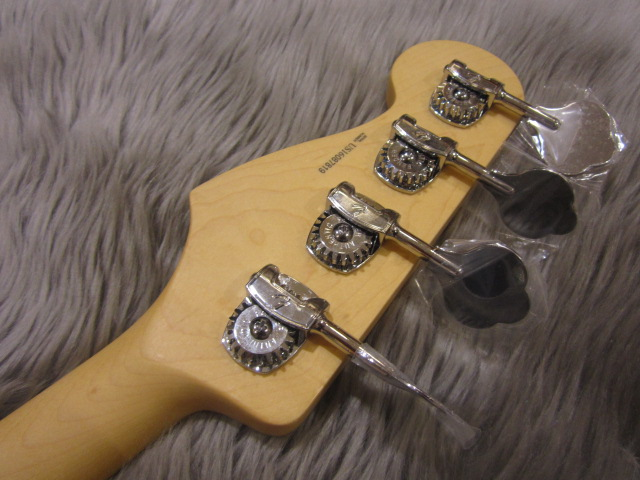 American Pro Jazz Bass Maple Fingerboardの指板画像