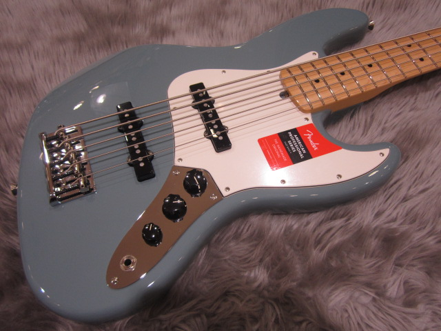 American Pro Jazz Bass V Maple Fingerboardのボディトップ-アップ画像