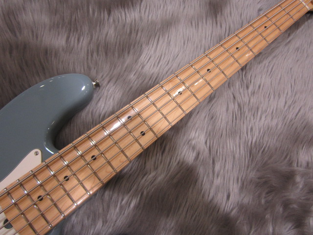American Pro Jazz Bass V Maple Fingerboardのヘッド画像