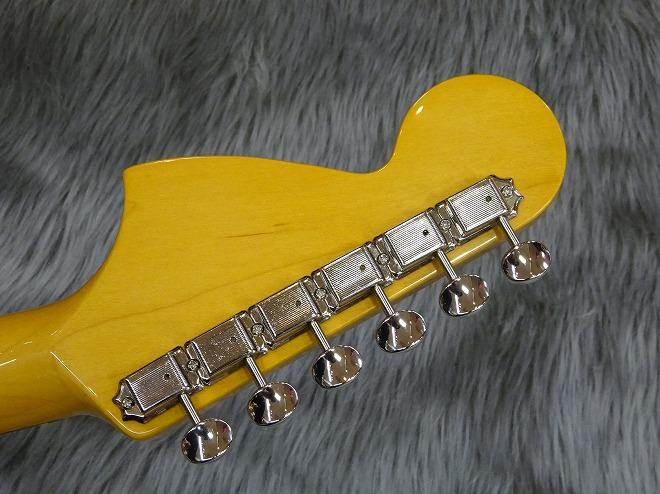 Japan Exclusive Series Classic 70s Mustang Matching Headcap Rosewood Fingerboardのヘッド裏-アップ画像