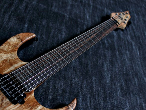 Cobra Special7 HT/T Spalted Maple Top 4 over 3 Headの指板画像