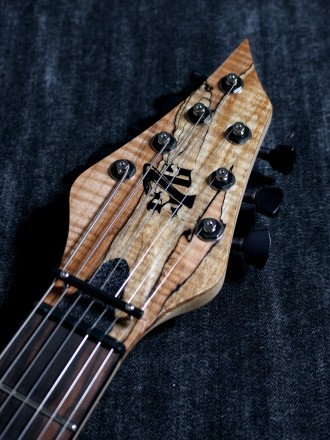 Cobra Special7 HT/T Spalted Maple Top 4 over 3 Headのヘッド画像