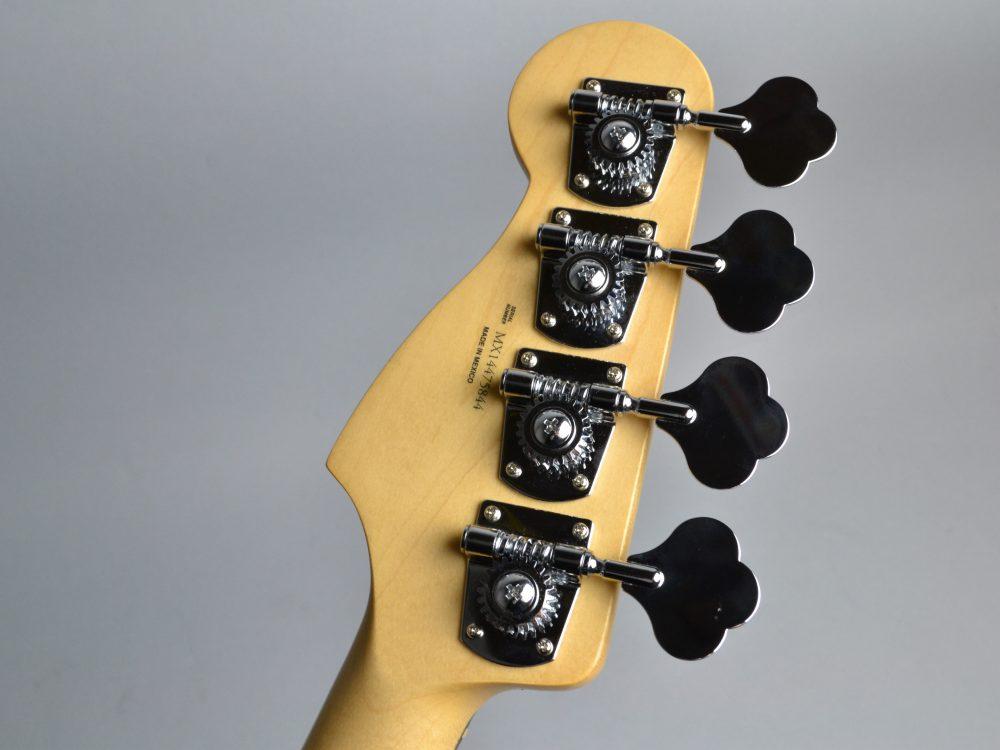 Standard Precision Bassのヘッド裏-アップ画像