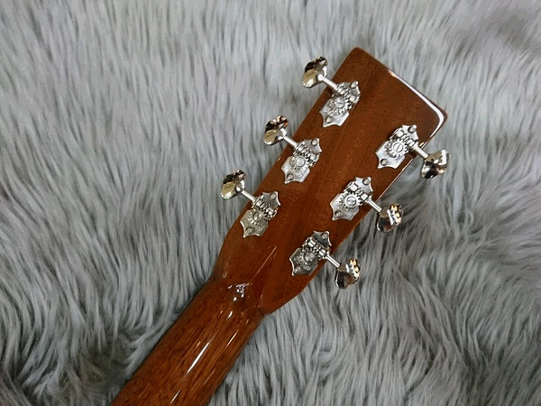 CTM 000-28 Quilted Bubingaのヘッド裏-アップ画像