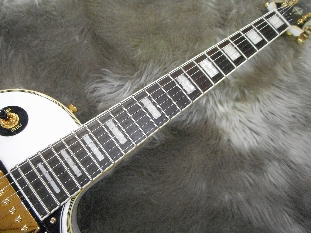 Les Paul Custom Pro (Alpine White)の全体画像(縦)
