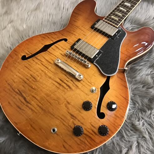 ES-335 Figured/Faded Lightburst ESDT16FBNH1のケース・その他画像