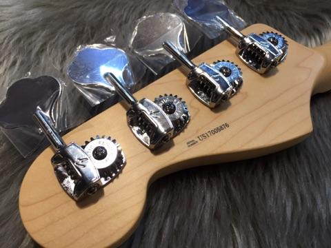 American Professional Jazz Bass RW/3TSのヘッド裏-アップ画像