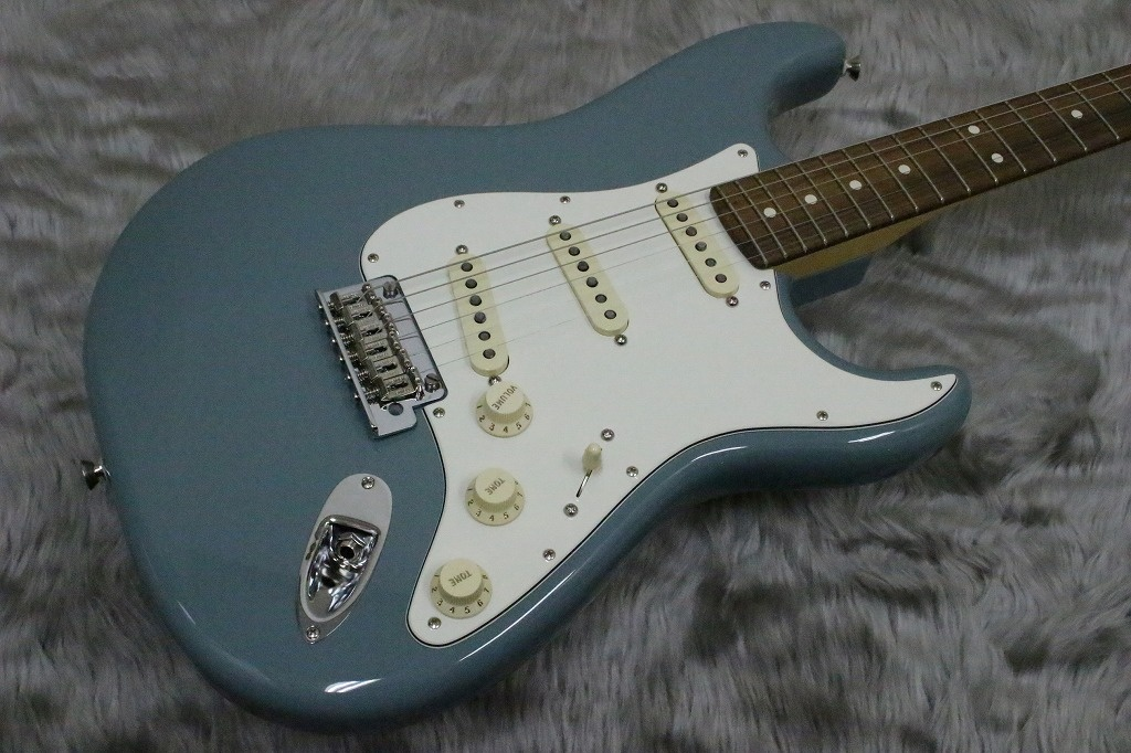 AMERICAN PROFESSIONAL STRATOCASTERのボディトップ-アップ画像