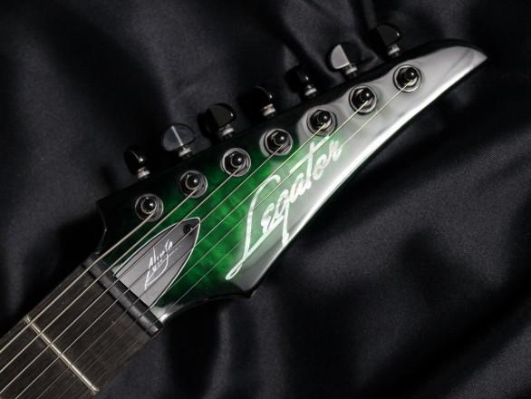 N7-200 Gloss Emerald Burst QMのヘッド画像