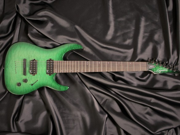 N7-200 Gloss Emerald Burst QMの全体画像(縦)