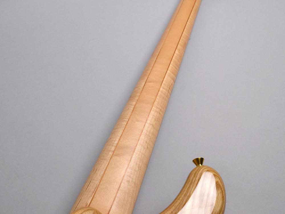 NB5HR EM/ASH Bat inray【Luthier's Model】のケース・その他画像