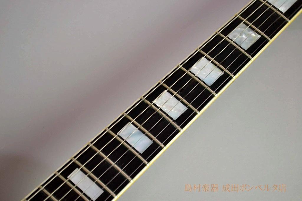 Historic Collection 1968 Les Paul Customの全体画像(縦)