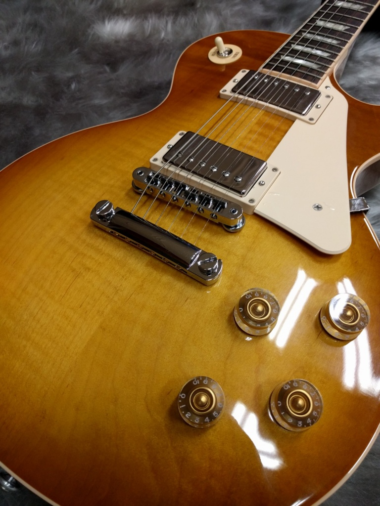 GIbson Les Paul Traditional 2016の全体画像(縦)