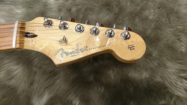 Fender American Pro Stratocaster®のヘッド画像