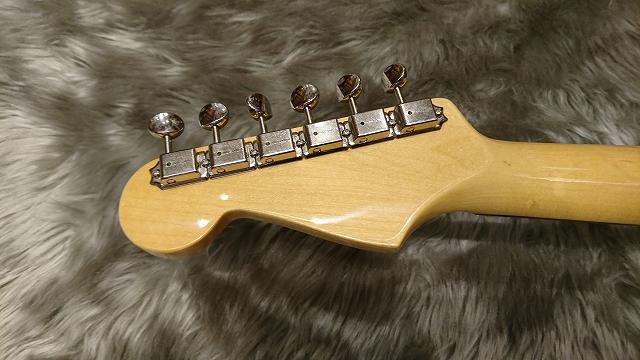Fender American Vintage '65 Stratocaster®のヘッド裏-アップ画像