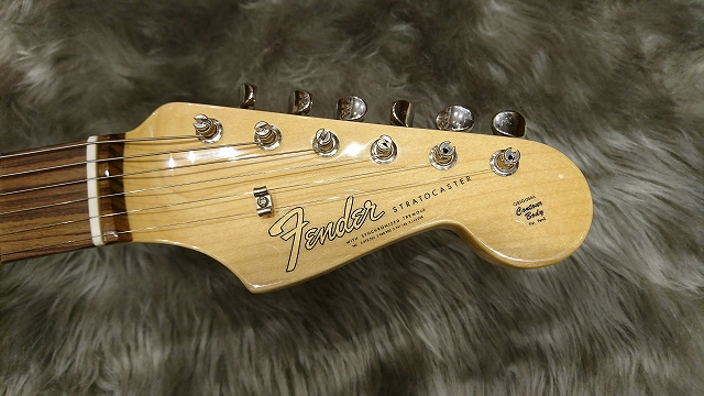 Fender American Vintage '65 Stratocaster®のヘッド画像