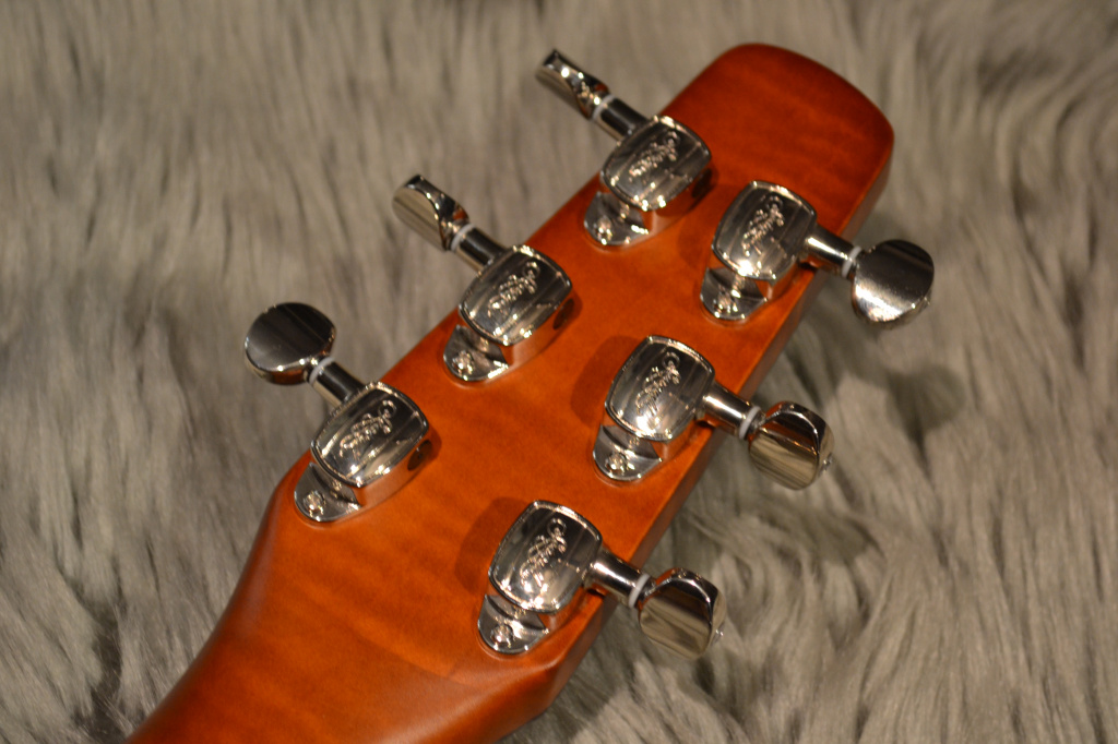 Performer Cutaway Flame Maple High-Gloss Quantumのヘッド裏-アップ画像