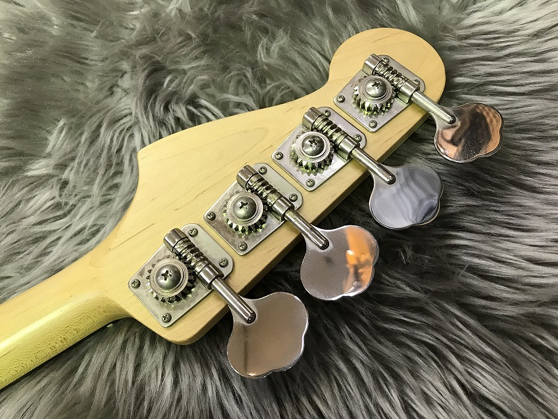 AJB【Aerodyne Jazz Bass】のヘッド裏-アップ画像