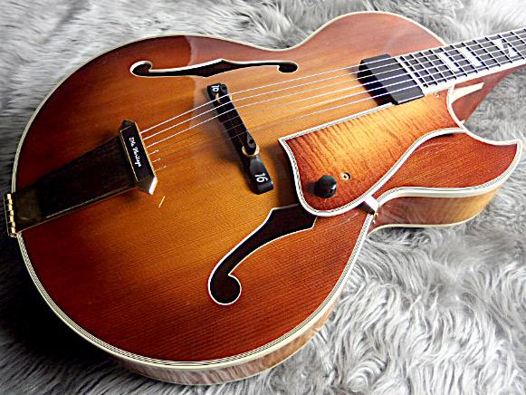 SWEET 16 1996年製フルアコギターのボディトップ-アップ画像