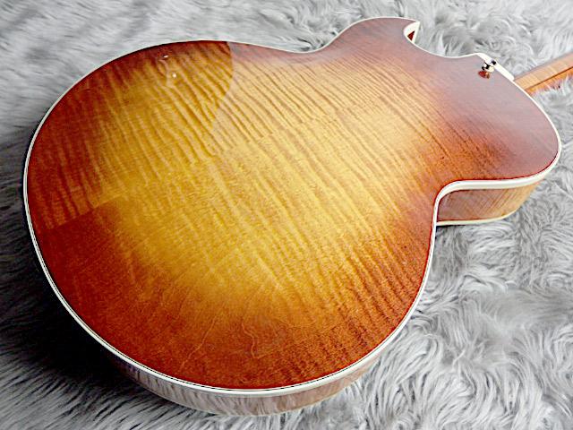 SWEET 16 1996年製フルアコギターのボディバック-アップ画像