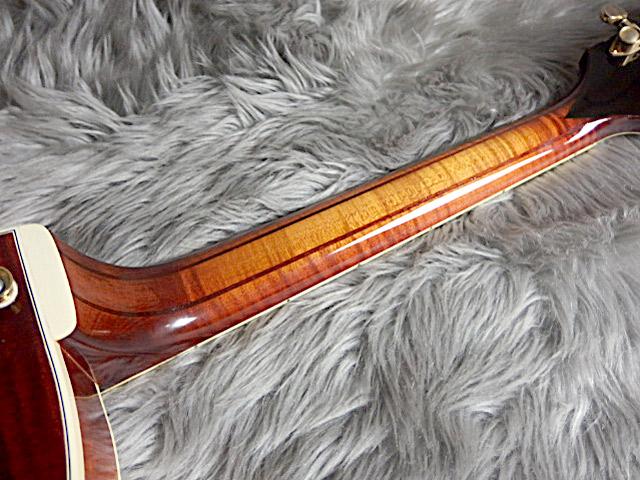 SWEET 16 1996年製フルアコギターの指板画像