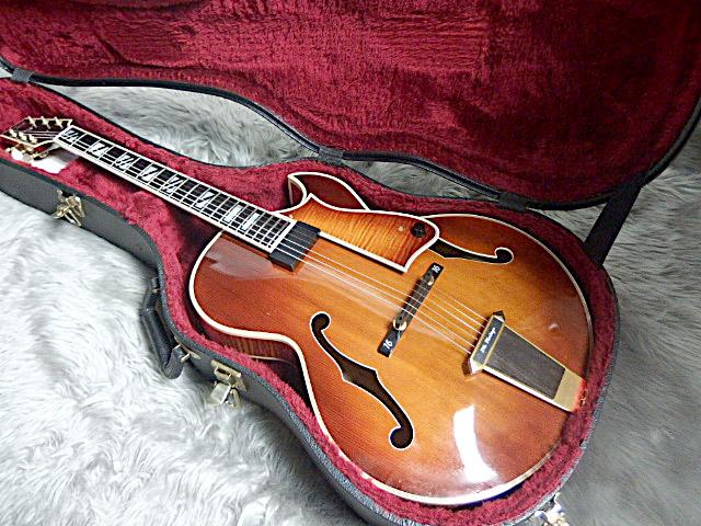 SWEET 16 1996年製フルアコギターのケース・その他画像